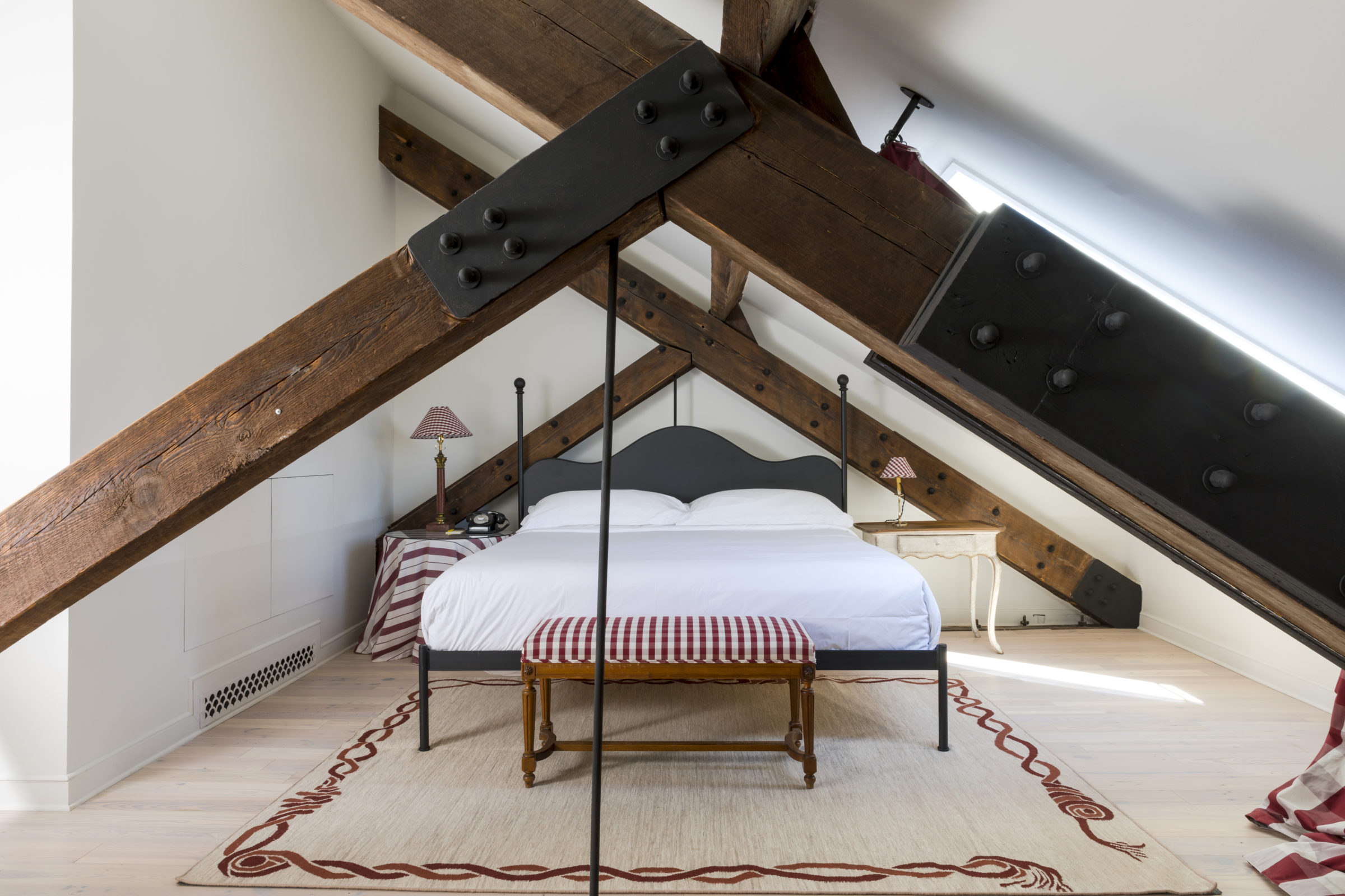Palmisano project Hotel Peter & Paul guest room
